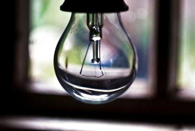 Планові відключення світла у Хмельницькому на 25-27 квітня