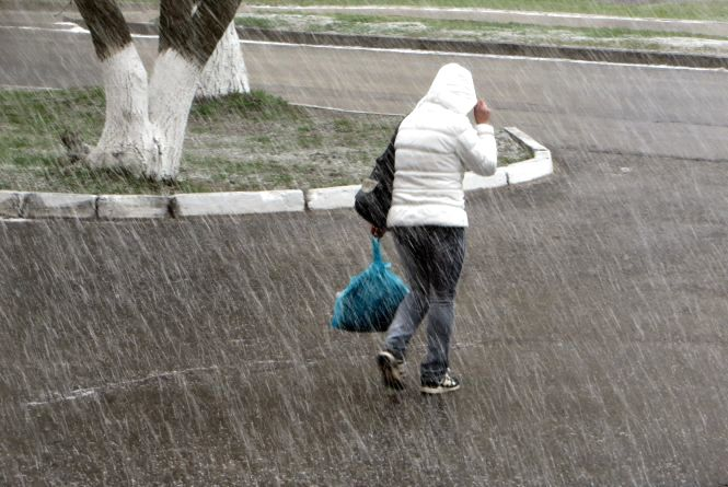 У Хмельницькому йшов сніг (ФОТО+ВІДЕО)