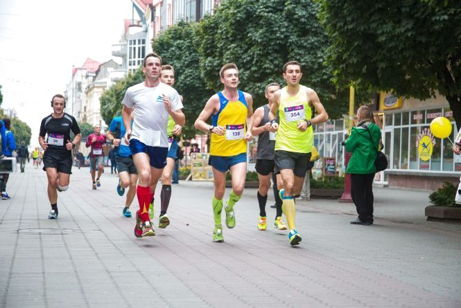 Хмельничан запрошують побігати на Франківському Півмарафоні