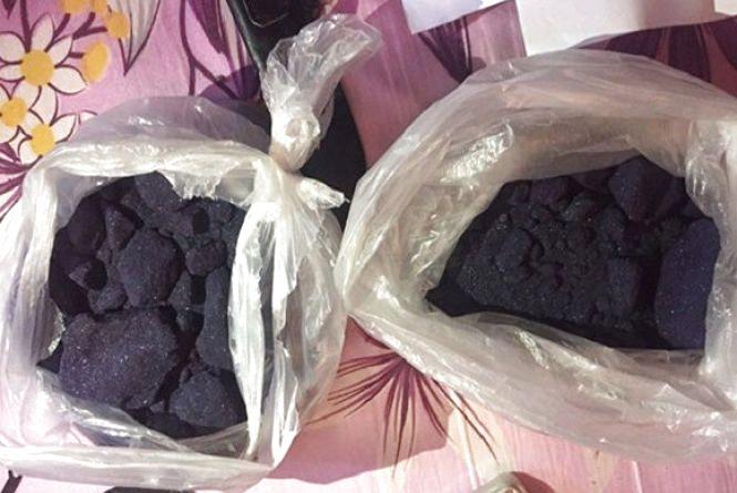 У 39-річного чоловіка з Красилова знайшли більше 3 кілограмів речовини для виготовлення наркотиків