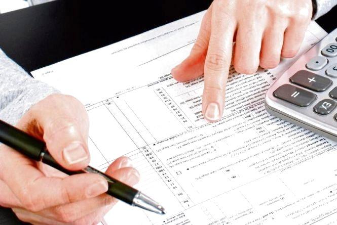 Хмельничан просять встигнути подати декларацію про доходи до 3 травня