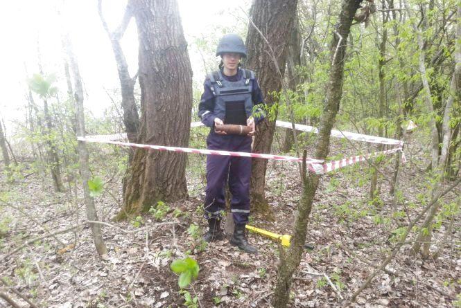 В Білогірському районі знайшли 12 артилерійських снарядів