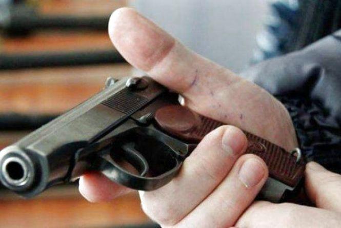 Сьогодні у Хмельницькому закінчується місячник добровільної здачі зброї
