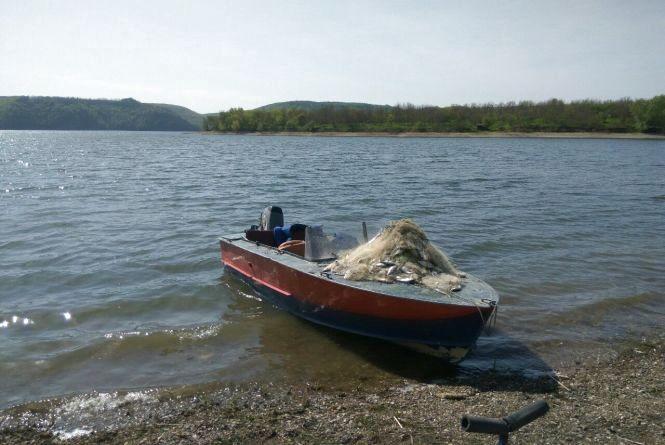 На штрафи за незаконний вилов риби попалось п'ятеро браконьєрів