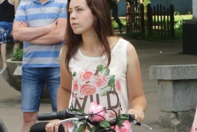 Леді на велосипеді: у Хмельницькому проведуть «білий» парад
