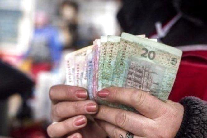 За три місяці середня зарплата на Хмельниччині підскочила на 570 гривень