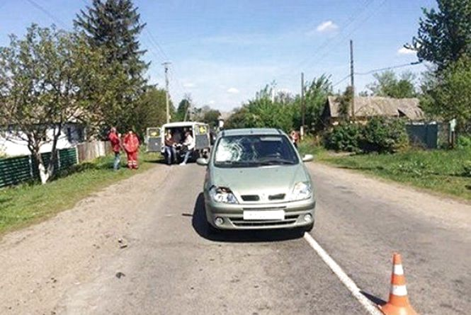 Смертельна ДТП на Хмельниччині: під колесами автомобіля загинула 76-річна жінка