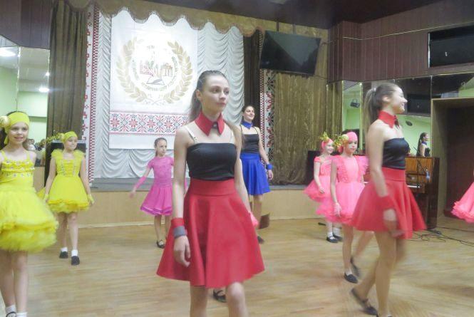 Запальне дефіле та іноземні хіти: в Хмельницькому відбувся концерт «Європейська феєрія»