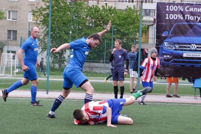 ВСІМ Бізнес-ліга: три вилучення за матч і поразка чемпіона (ФОТО)