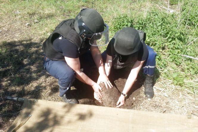 На Хмельниччині знайшли бомбу та міни з часів Другої світової війни