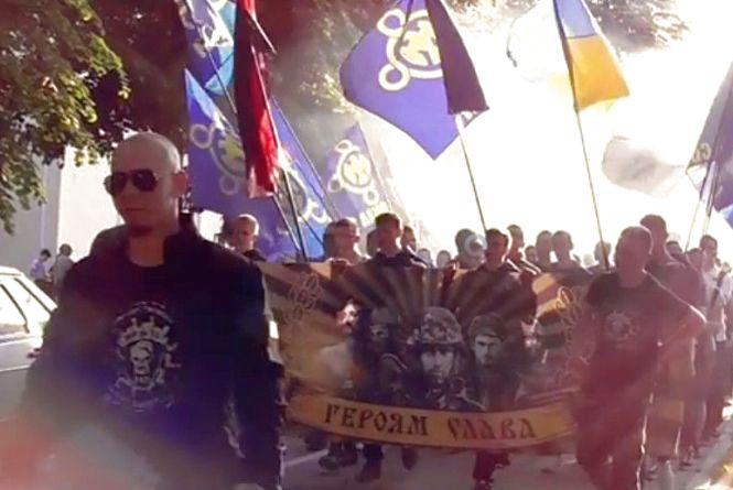 Хмельничан запрошують на марш до Дня Героїв