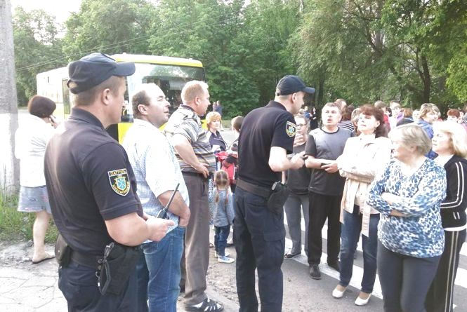 Не платиш - сиди без світла: начальник ЖЕКу розповів, чому вимикали електрику на Тернопільській