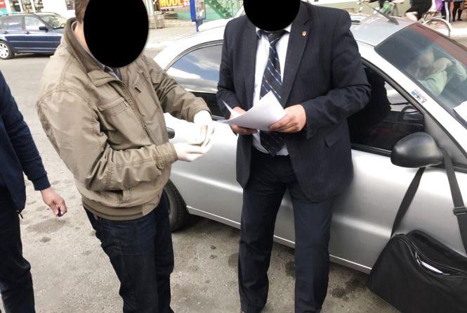 Через хабар на Хмельниччині можуть посадити чиновника