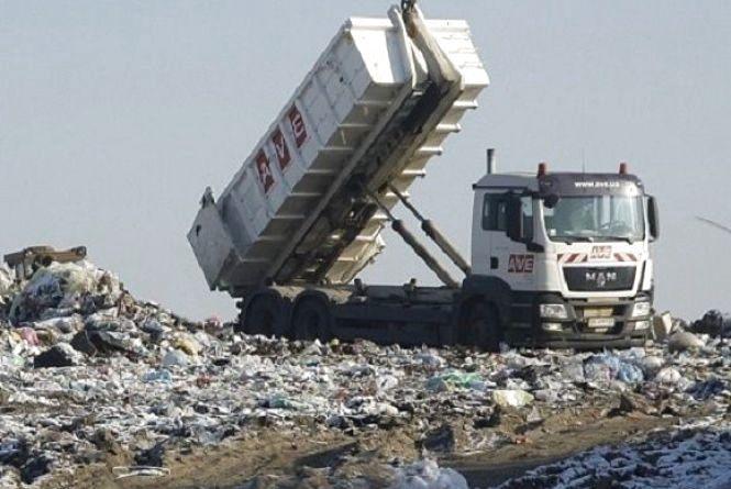 Львівське сміття хотіли викинути у Славуті
