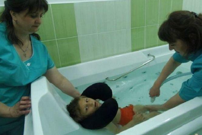 У Нетішині для дітей-інвалідів купили гідромасажну ванну за 150 тисяч гривень