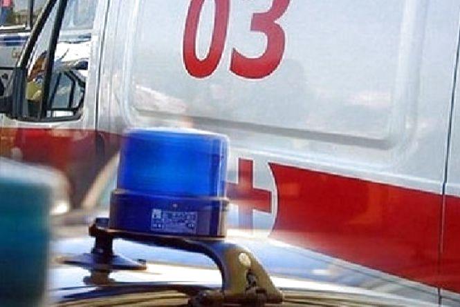 """Хмельничанин на """"Daewoo Matiz"""" вилетів в кювет. В лікарні опинилися двоє"""