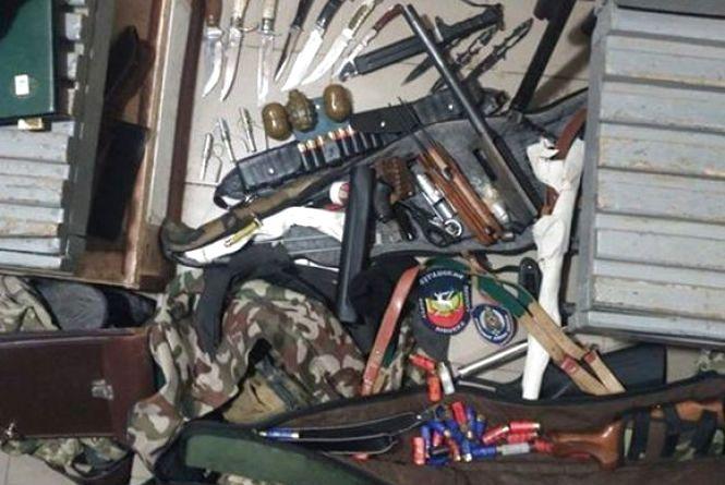 На Харківщині затримали хмельничанина, який намагався вивезти зброю із зони АТО