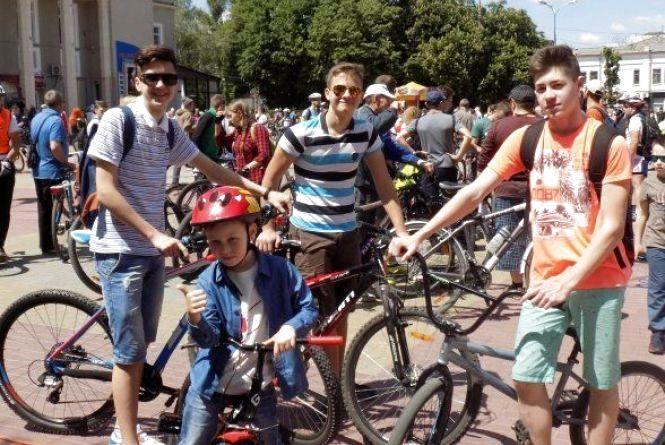 Де і за скільки у Хмельницькому можна позичити велосипед