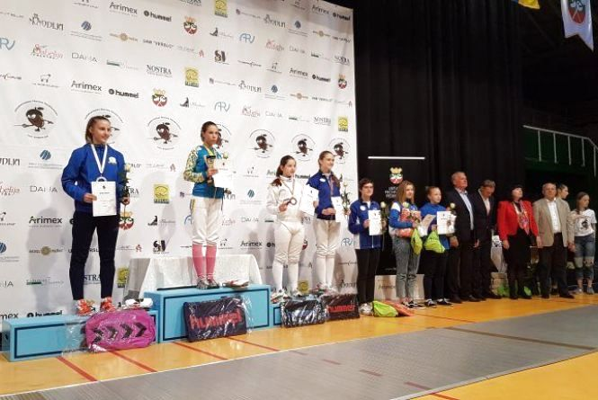 Хмельницькі фехтувальники привезли з Литви чемпіонський кубок