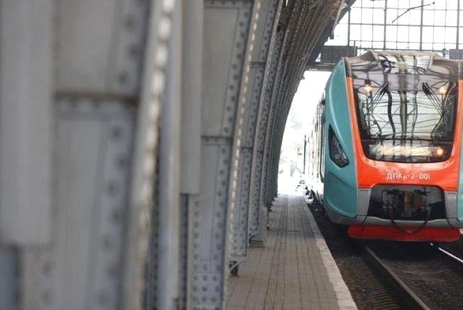Через Хмельницький буде курсувати новий потяг до Польщі