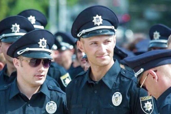 У перший день відбору до патрульної поліції подали анкети 84 хмельничанина