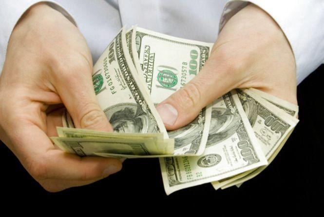 В Ізяславському районі викрали із сейфу 7 тисяч доларів