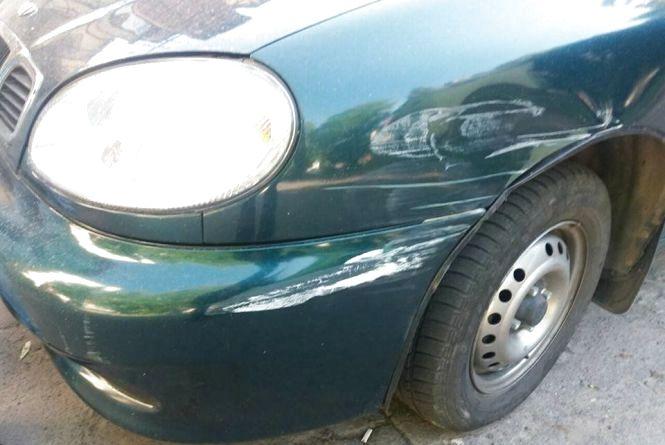 """На Зарічанській """"Volkswagen"""" врізався в """"Daewoo"""". Водій втік"""