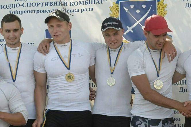 Веслувальник з Хмельницького привіз нагороди з чемпіонату України