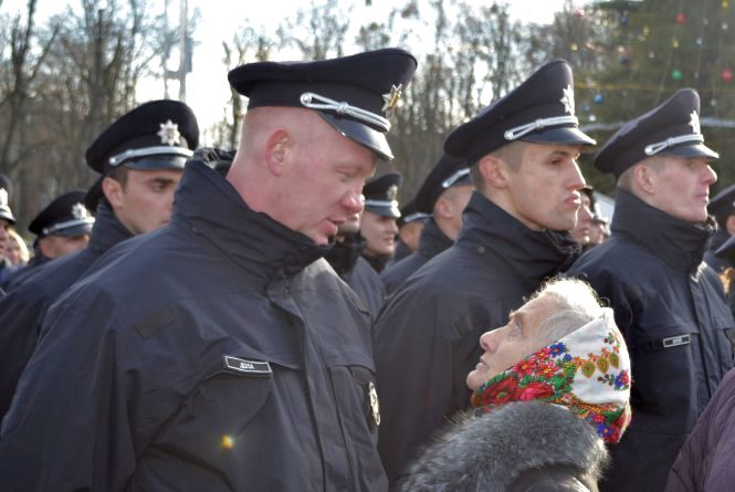 Чому продовжили набір в патрульну поліцію Хмельницького