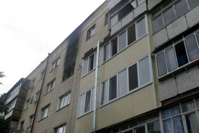 45-річна жінка, в якої згоріла квартира на Зарічанській, померла у лікарні