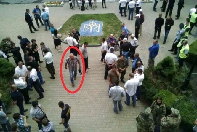 """Хмельницька """"Свобода"""" """"засвітилась"""" на протесті під міською радою Тернополя"""