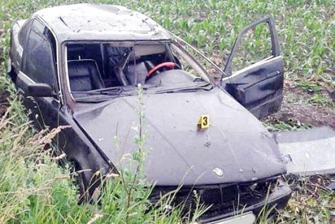 """П'яний хмельничанин на """"BMW"""" потрапив в ДТП. Авто перекинулося, водій у лікарні"""