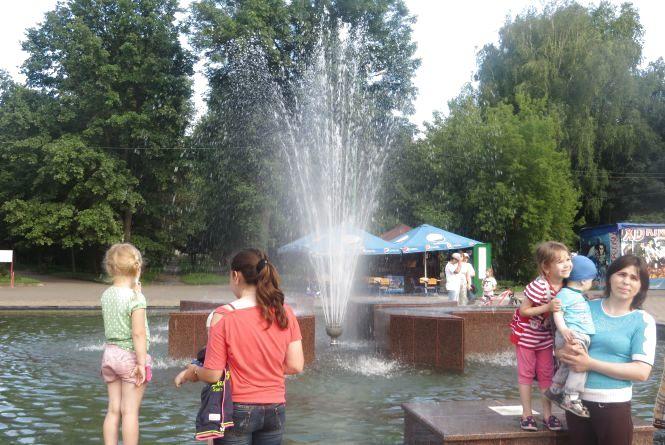 У парку Чекмана запрацював новий фонтан (ФОТО/ВІДЕО)