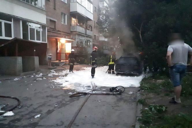 На Чорновола згорів «Volkswagen»