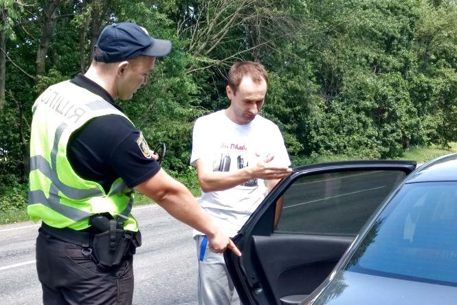 Як працює дорожня поліція на трасах Хмельницької області (ФОТОРЕПОРТАЖ)