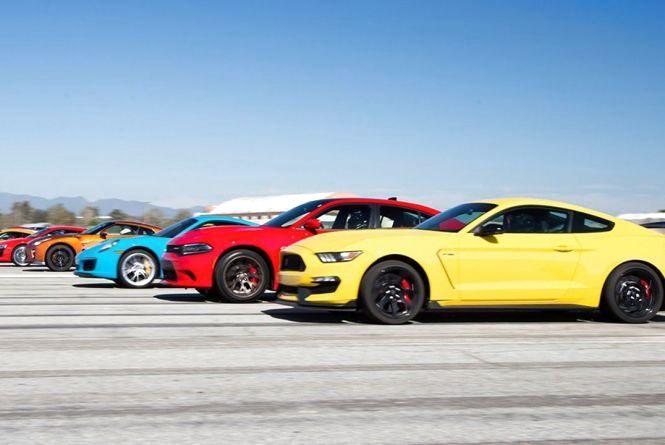 На аеропорт з'їдуться любителі швидкої їзди. Хмельничан кличуть на гонки