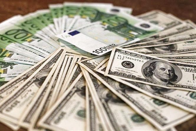 Долар дорожчає - курс валют на 5 липня