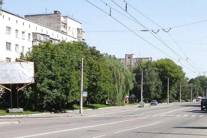 """Біля міської лікарні """"Renault"""" збив на """"зебрі"""" 47-річного чоловіка"""