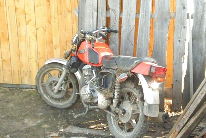 В Лезневому 29-річний мотоцикліст влетів у паркан