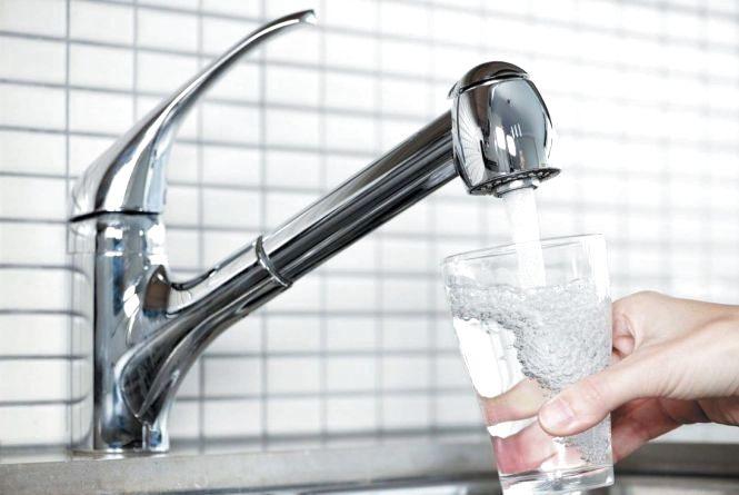 """Вартість води може зрости.  """"Хмельницькводоканал"""" переглядає тарифи"""