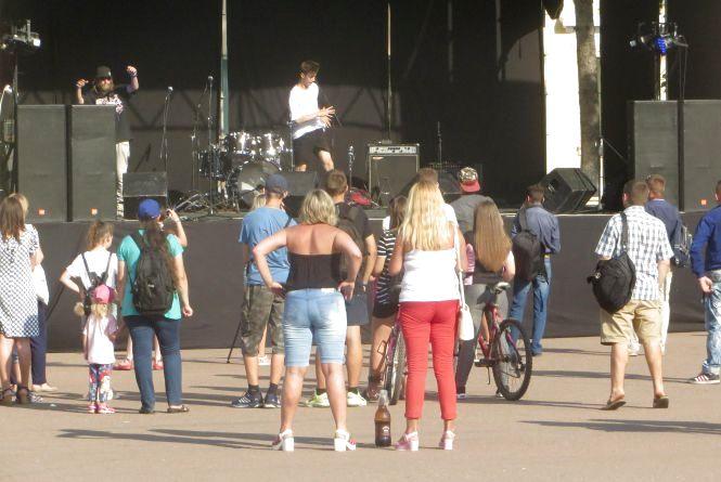 «Арт якийсь там і Мотор'Ролла»: що хмельничани знають про фестиваль «Арт-місто»  (ВІДЕООПИТУВАННЯ)