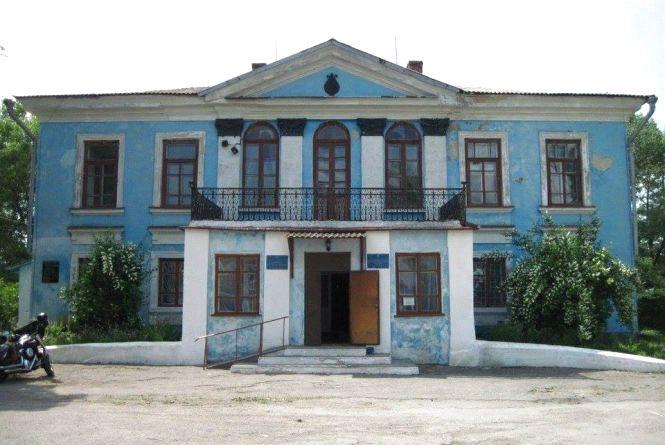 «Незнана Хмельниччина»: скандал із Глібовим і палац у Чорному Острові