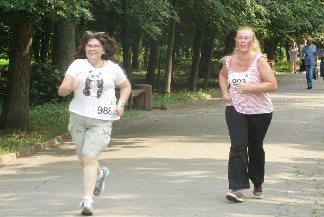 У парку Чекмана медики і молоді матусі бігали за здорових дітей