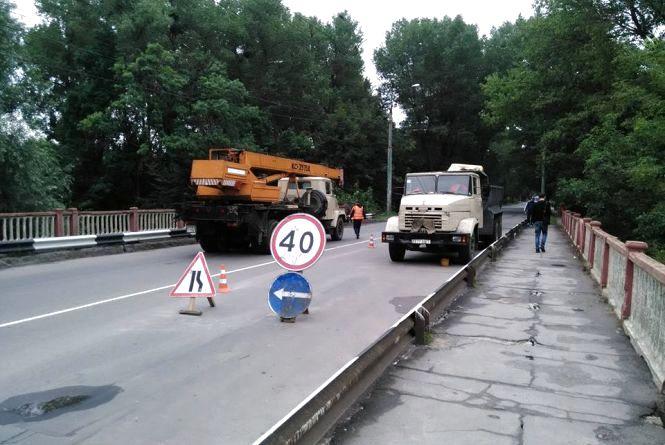 Рух перекрито! Старокостянтинівський міст закрили на ремонт