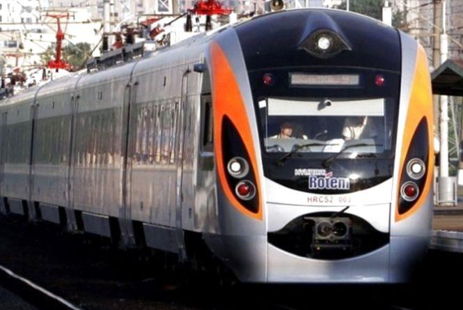 Поїздом з Хмельницького до Польщі: в «Укрзалізниці» назвали вартість квитка