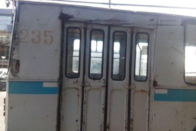 На Зарічанській не розминулися тролейбус і «МАЗ»