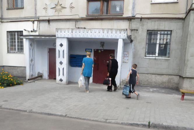 Двоє хмельничан застрягли і пролетіли вниз у ліфті на Проскурівського підпілля