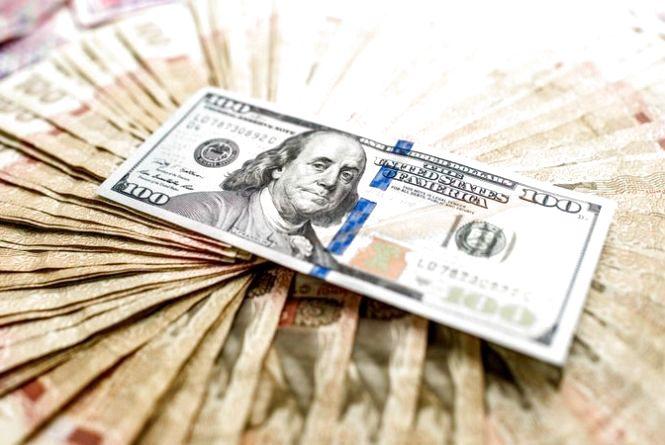 Долар впав у ціні - курс валют НБУ на 22 серпня