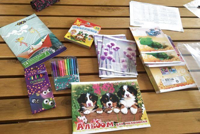 З новими зошитами, олівцями і портфелями  підуть до школи  206 маленьких школярів з багатодітних сімей