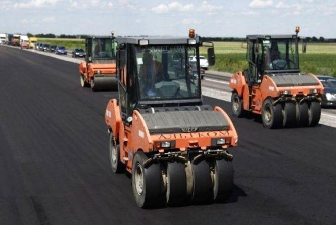 """В Україні збудують перші дві платні дороги. В """"Укравтодорі"""" розповіли деталі"""